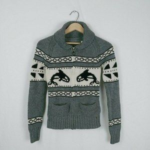 Aritzia Cowichan Sea to Sky Whale Cardigan Sweater